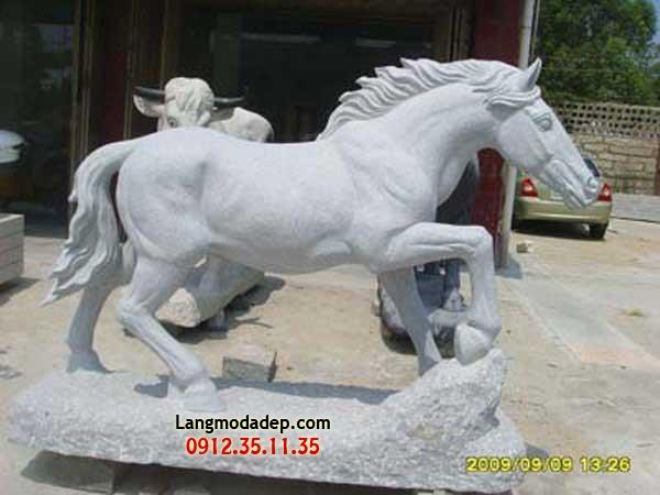 Ngựa đá LMD 04