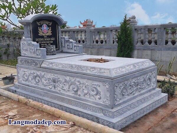 So sánh mộ có sẵn và mộ đặt theo yêu cầu